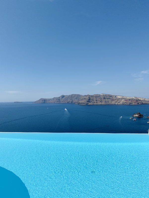 Santorini Oia by Liz Olusesan Travel